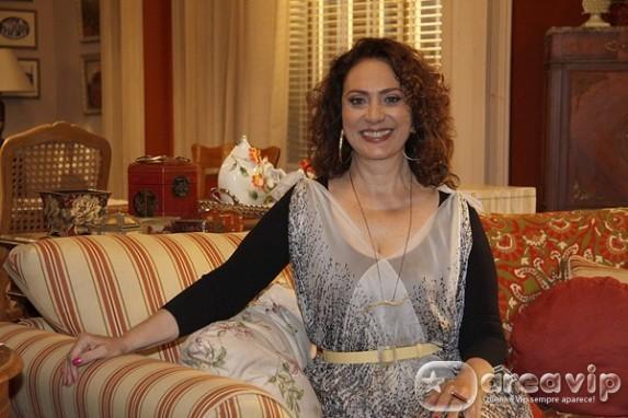 Eliane Giardini participa de 'A Grande Família'
