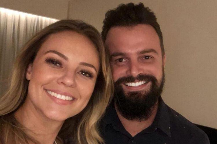 Paolla Oliveira comemora aniversário e recebe carinho do namorado