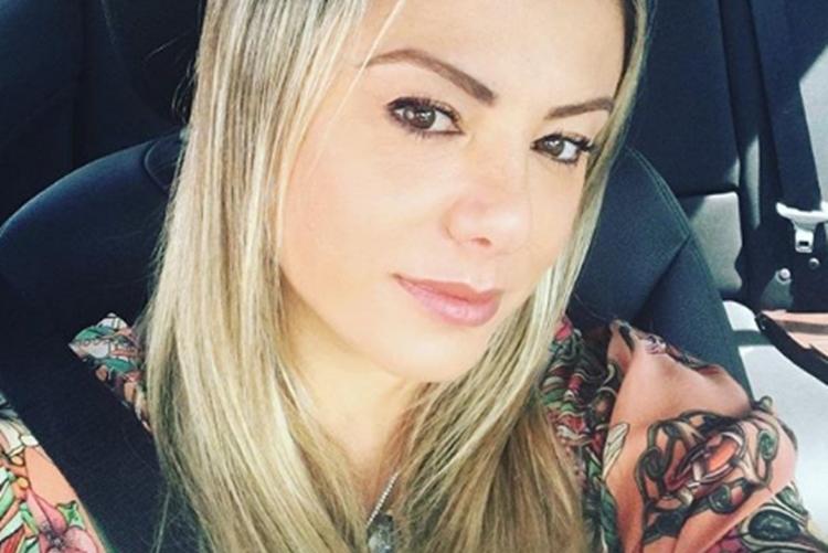"""Poliana Rocha, esposa do sertanejo Leonardo, não vai a show e afirma: """"Fiz teste para coronavírus"""""""