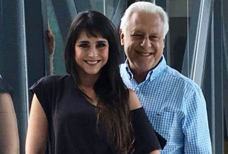 Alexandra Martins celebra aniversário de casamento com Antônio Fagundes